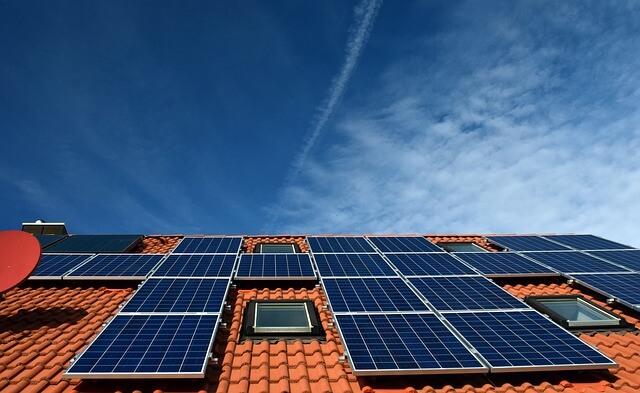 פאנלים סולאריים לבית